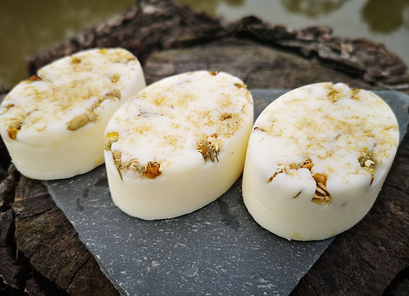 Babassu and chamomile Conditioning Shampoo Bar
