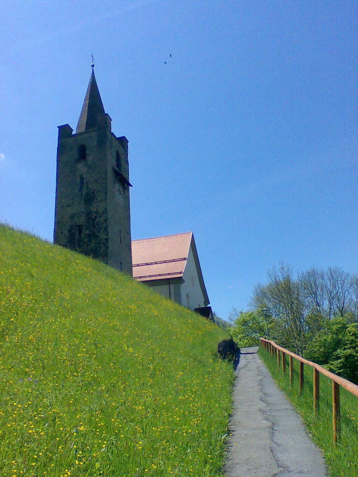 Kirche in St. Niklausen (Samiglaisä)
