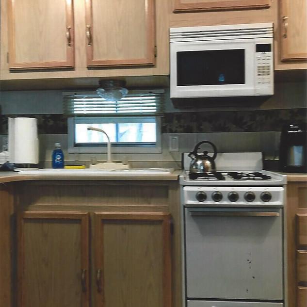 B48 Kitchen 2.jpg