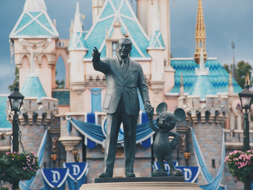 Apostando (e muito) no Mickey Mouse: por que a hora é agora para investir na Disney?