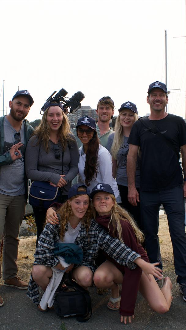 Coextinction Film Crew, Victoria