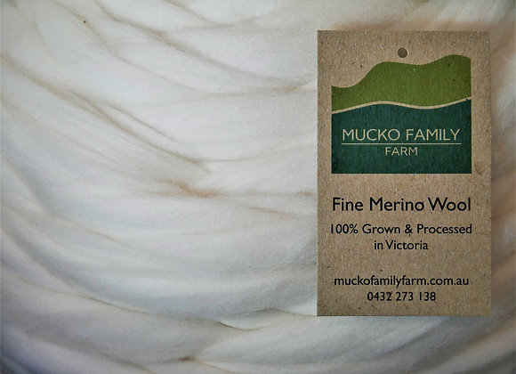 Merino Combed Top 1kg bump, undyed.