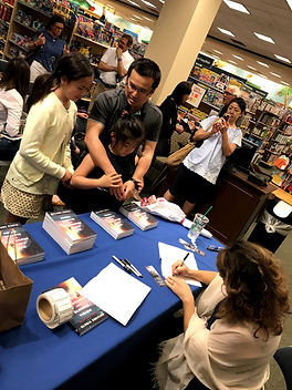 Book Signing Event at Barnes and Noble - Staying In Touch with Readers