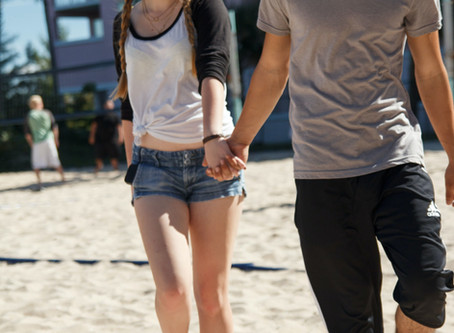 "Teen Romance and Dating – The ""Talking Pieces"" Guide for Parents"