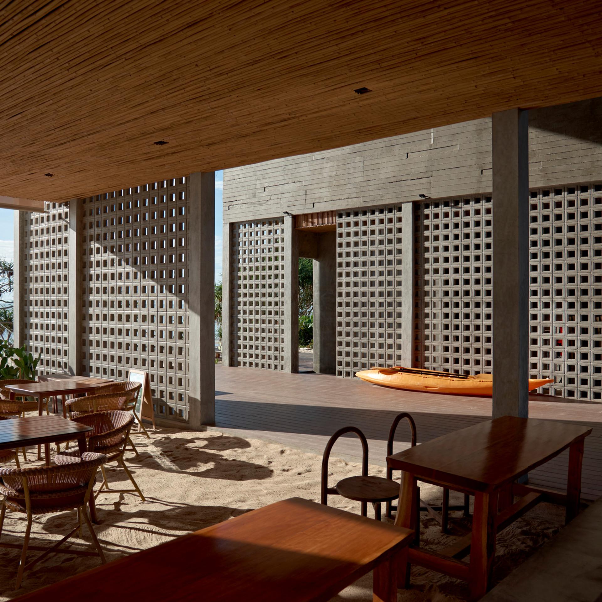 sand lounge