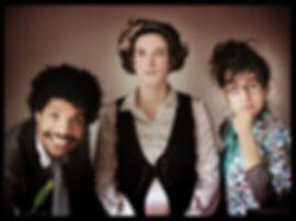 Maison Musquin-Trio de conférencier burlesque