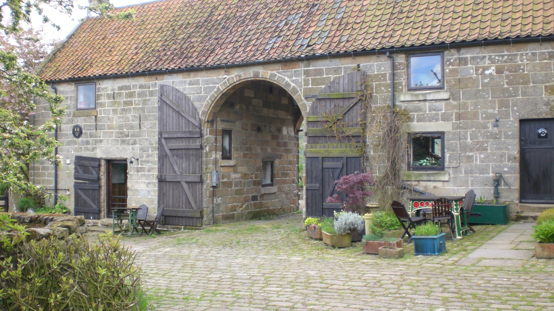 Holiday Cottages The Old Sheaf Store, Threshing Barn