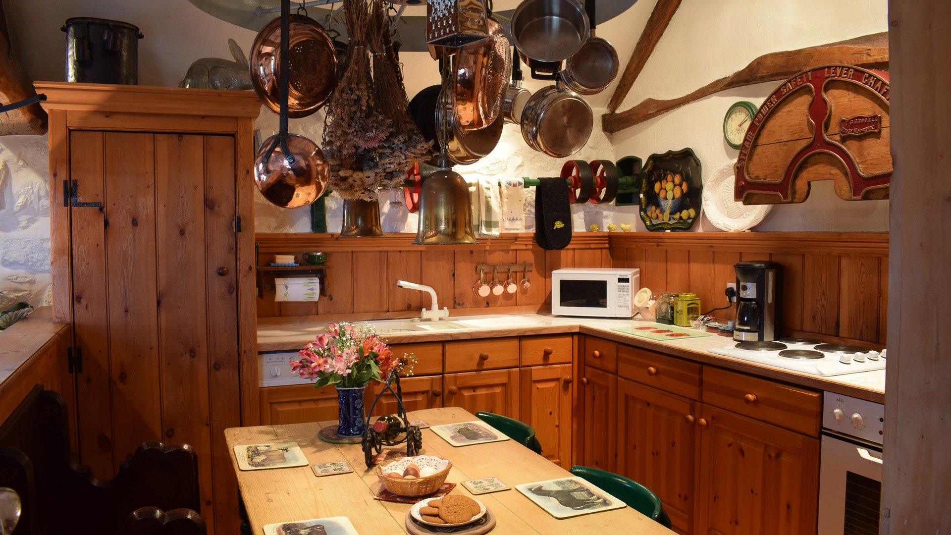 Kitchen of The Old Sheaf Store Holiday Cottage Red House Farm