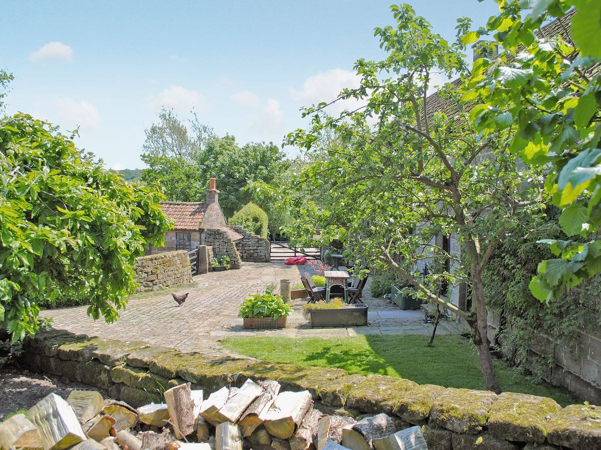Exterior - Holiday Cottages | Red House