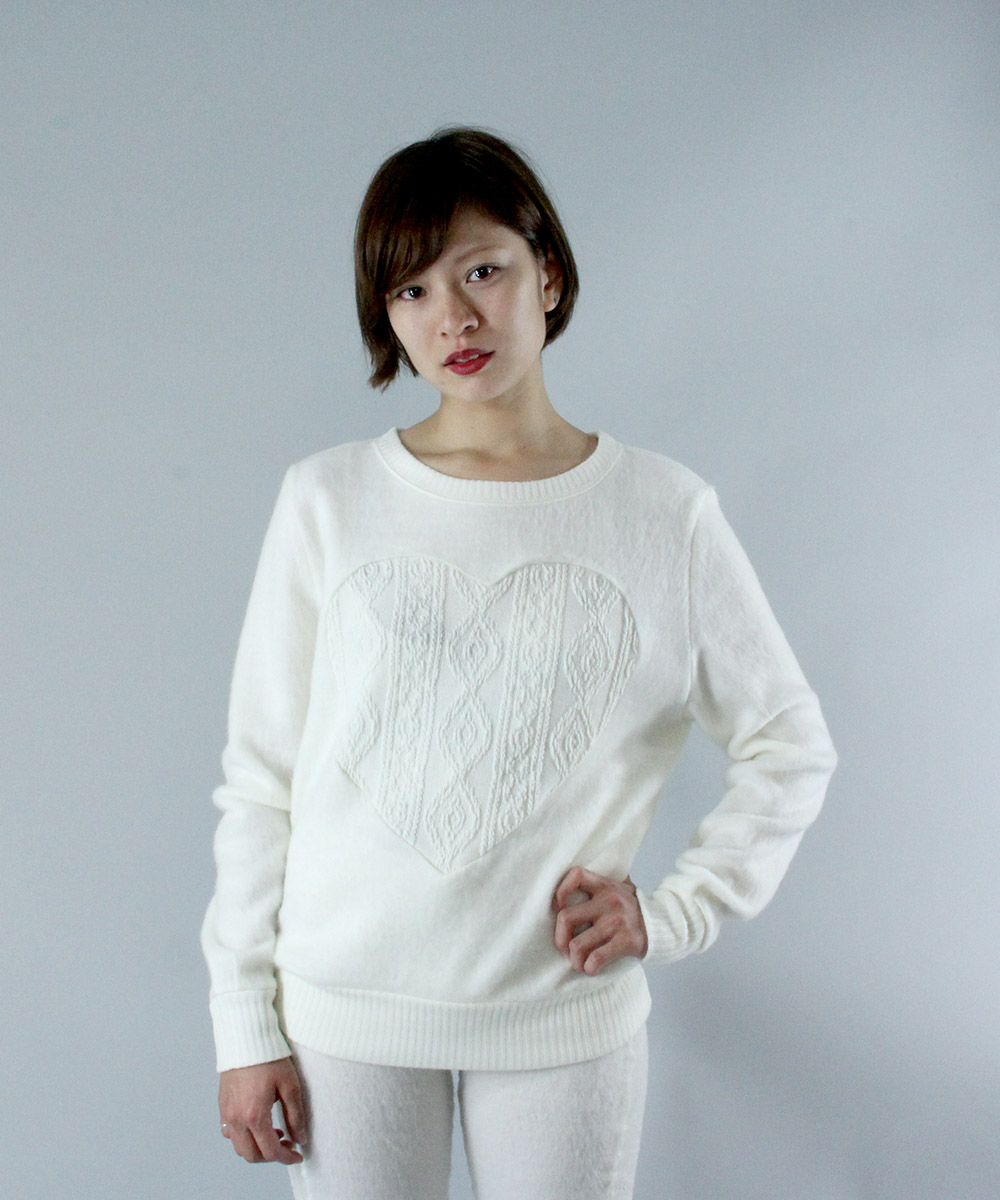Cable heart design beaver pullover