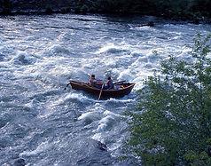 Drift_boat_aka_Mckenzie_River_dory.jpg