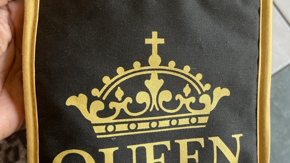 IBTU Queen Apron & Pot Holder Set