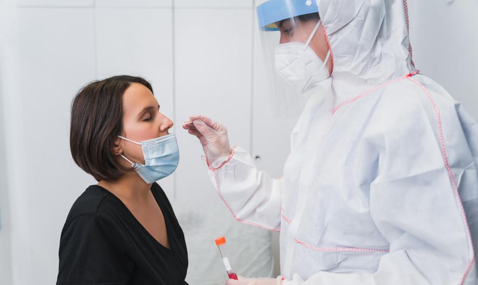 doctor-doing-pcr-detect-covid-19-pregnan