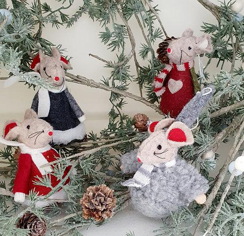 Winter Felt Mouse in Dark Grey Knitted Dress