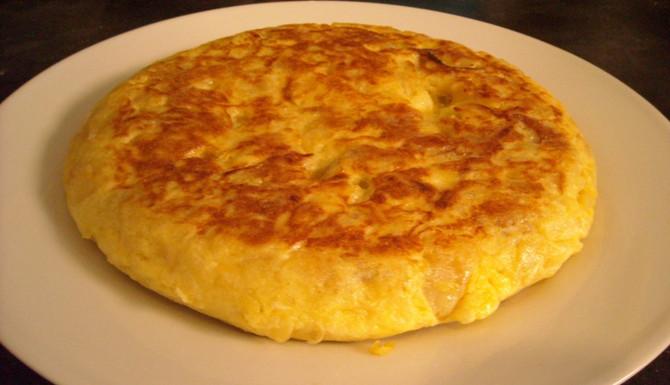 Receta: la tortilla de patatas.