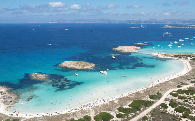 Do you know which is the best beach in Spain? Discover it!: Ses Illetes, Formentera (Islas Baleares)