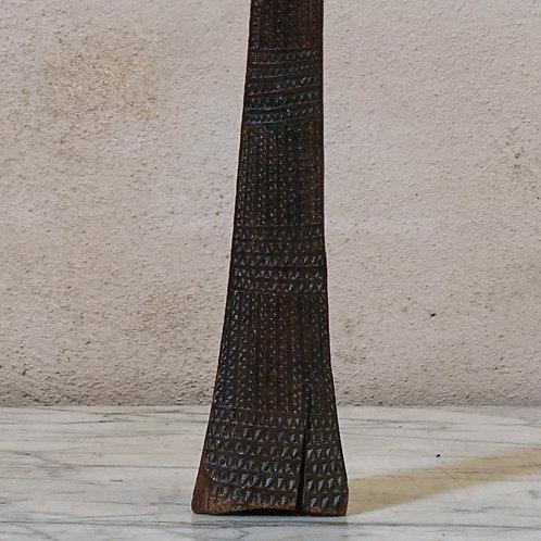 A Tongan Apa'apai (coconut stalk).