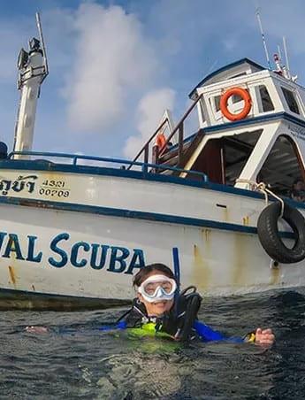 divingboatkohtao.jpg