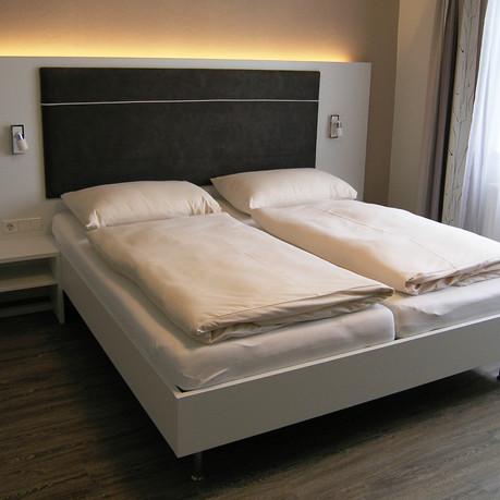 Schlafzimmer 46.jpg