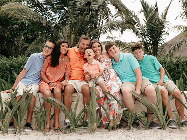 Barcelo Family Photography_03.jpg