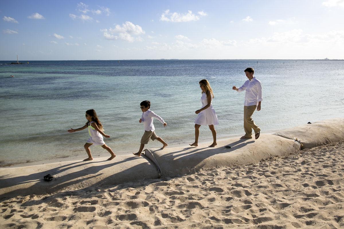 Nizuc Resort family session