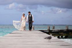 Couple portrait on Riu Cancun Peir