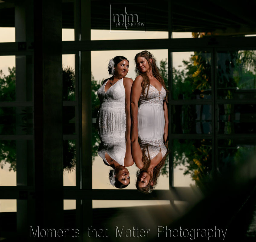 Magic of light, water and reflections with the just married girls