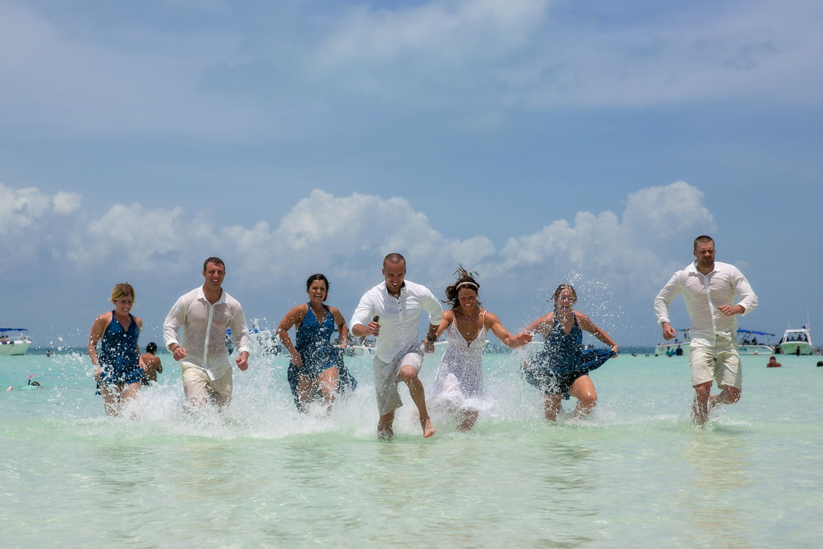 Isla Mujeres fun Wedding Photographer