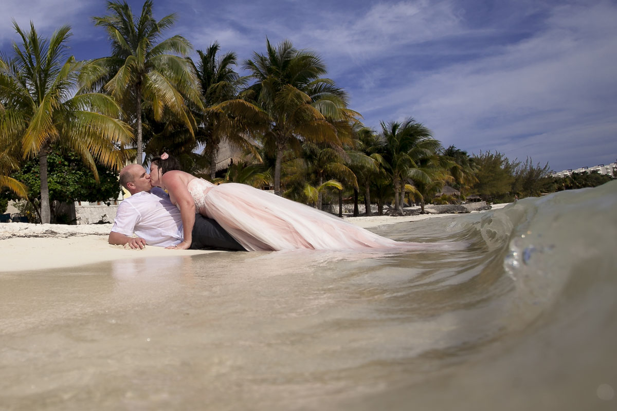 Isla Mujeres Trash the Dress Photography