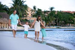 Puerto Aventuras Family Photographer