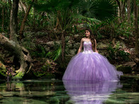Quinceañera photography in a cenote