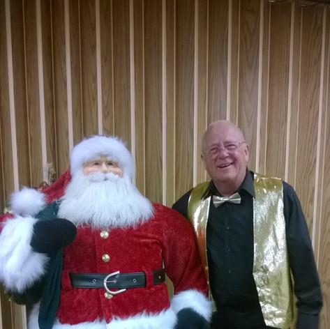 Dave Fuchs & Santa statue.jpg