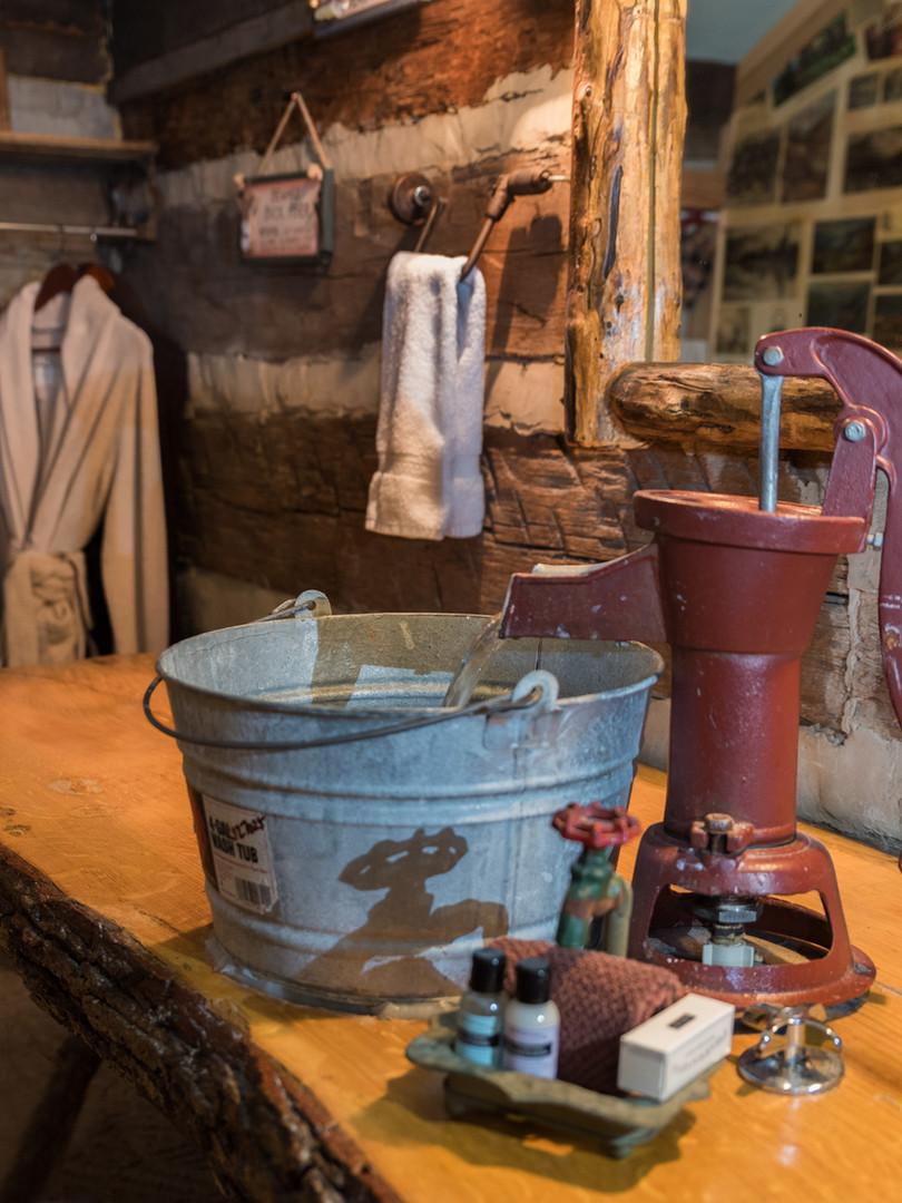 Daniel Boone bathroom sink