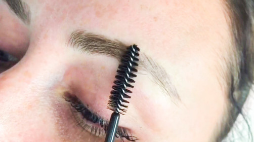 brunette microbladed eyebrows