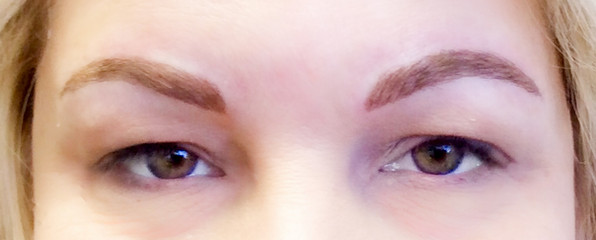 Blonde microbladed eyebrows