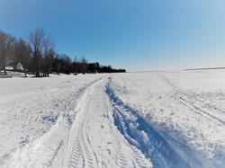 Sentiers sur le lac