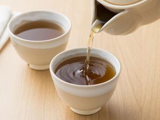杜仲茶とタンポポ茶を飲み比べて検証 ~便秘解消の軍配は?~