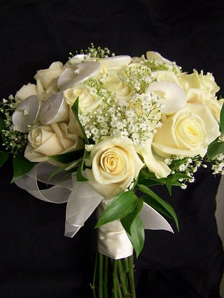 Rose and seashells bouquet