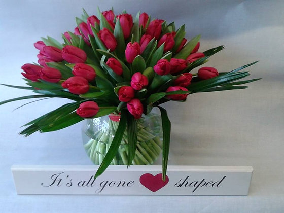 Tulips in a glass vase (vase included)