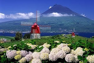 What-can-you-experience-in-Azores-4.jpg