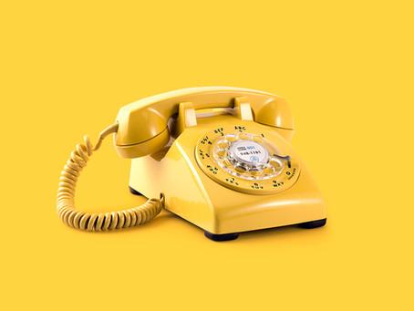 Telefonen holder sommerlukket