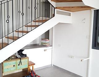 עיצוב מדרגות לקומה השניה