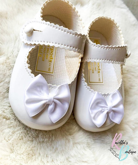 Girls shoes with bow - white