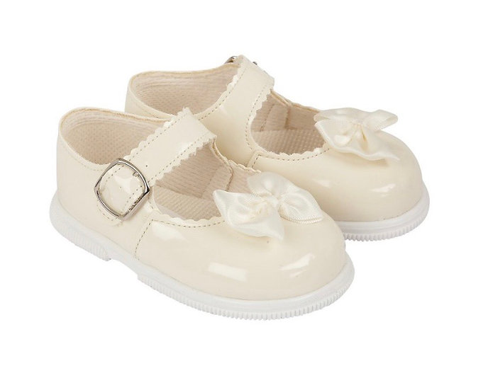 Girls walking shoes with bow (with soles) - cream