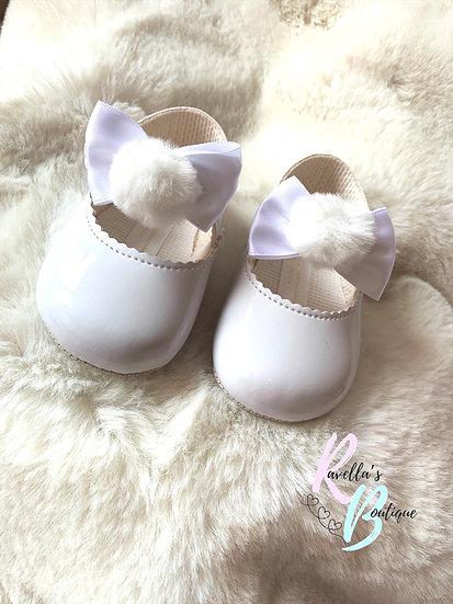 Girls pompom shoes - white
