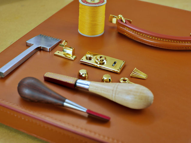 The Bloomsbury Attache Case: Making The Lid