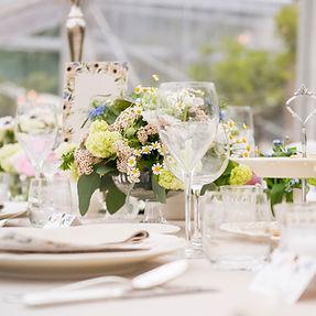 Wedding dinner, tavola apparecchiato per la cena di un matrimonio
