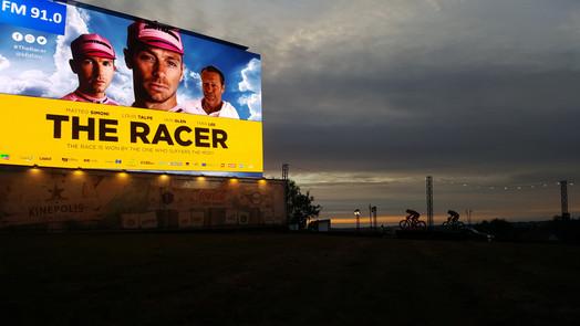 Première The Racer