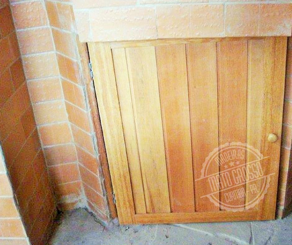 Cod.5810 - porta para churrasqueira