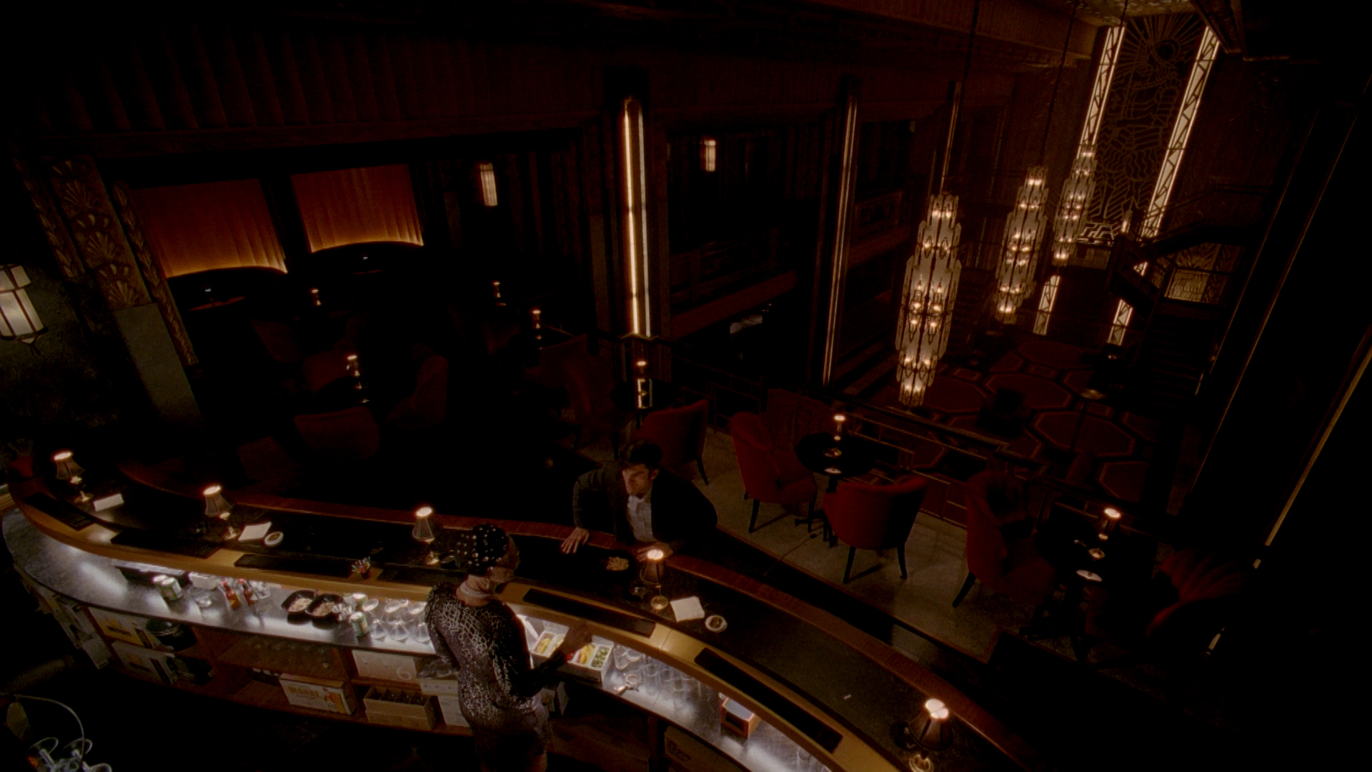 AHS Hotel: Wes Bentley at the bar
